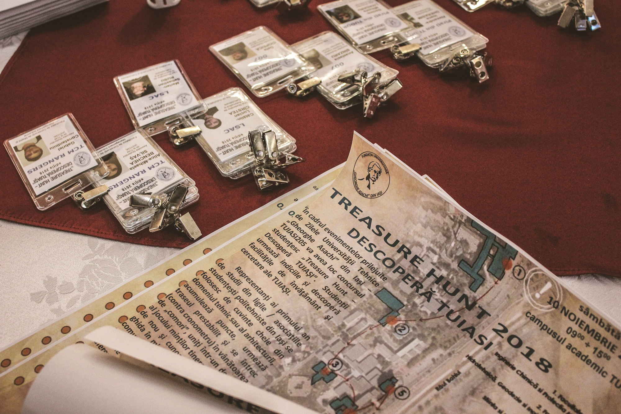 Treasure Hunt 2018: Bobocii TUIASI au descoperit Universitatea