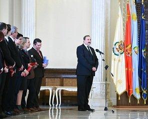 """Ceremonia de decernare a Ordinului """"Meritul pentru Învățământ"""" în grad de Ofițer Universității Tehnice """"Gheorghe Asachi"""" din Iași"""