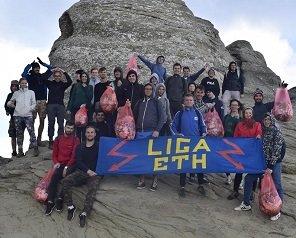 Peste 30 de studenți ai TUIASI au ecologizat trasee din județul Brașov