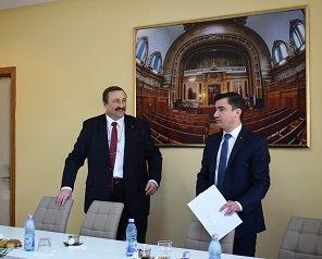 Primarul Iașului a analizat la sediul Universității Tehnice o parte din proiectele instituției