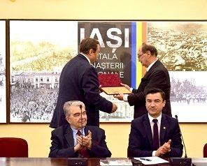 La împlinirea a 70 de ani de viață, academicianul Bogdan Simionescu a vorbit la Iași despre rolul Academiei Române în Marea Unire