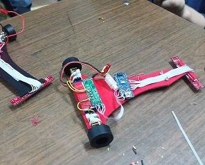 Două echipe de studenţi de la Facultatea de Construcţii de Maşini au câştigat un concurs de robotică la Sibiu